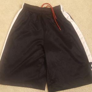 Nike boys athletic shorts sz med